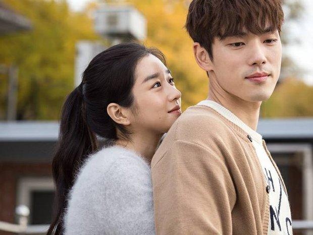"""YouTuber """"tiên tri"""" chuyện tình Seo Ye Ji - Kim Jung Hyun từ 9 tháng trước, sởn da gà cách """"điên nữ"""" huấn luyện bạn trai - Ảnh 3."""