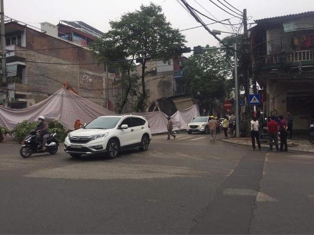 Ảnh: Cận cảnh hiện trường vụ sập nhà 3 tầng do hàng xóm đào móng ở Lào Cai - Ảnh 5.