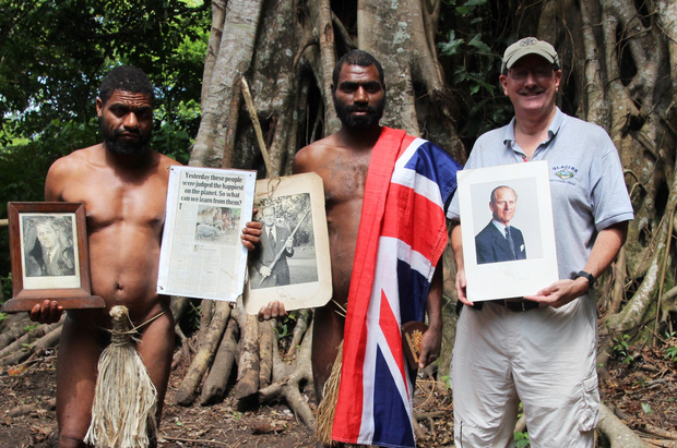 Kỳ lạ bộ lạc sống trên đảo xa tôn thờ cố Hoàng thân Philip, quyết định để tang khi hay tin ông qua đời - Ảnh 1.