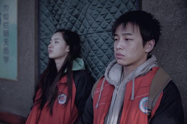 Phim Trung khiến đạo diễn treo cổ tự tử trước ngày công chiếu, vượt mặt Trương Nghệ Mưu thắng giải cao nhất - Ảnh 3.