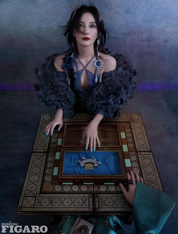 Chưa bao giờ thấy Triệu Vy táo bạo nhường này: Khoe vòng 1 chưa đủ, chơi lớn với khung hình lộ vòng 3 lấp ló - Ảnh 3.