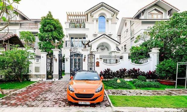 Nữ ca sĩ chi tiền tỷ mời Thái Công làm nội thất: Ở villa 200 tỷ, được chồng đại gia cưng chiều như bà hoàng - Ảnh 3.