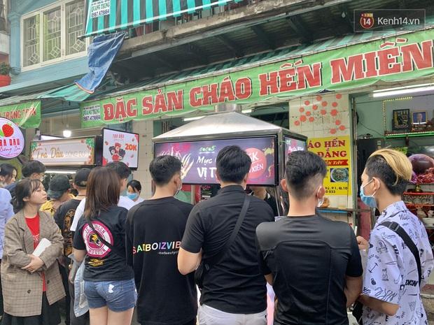 Gọi chợ Hồ Thị Kỷ là vũ trụ ăn uống giữa Sài Gòn vì muốn tìm món nào cũng có, ăn no ngập mặt mà tốn chưa tới 100k - Ảnh 6.