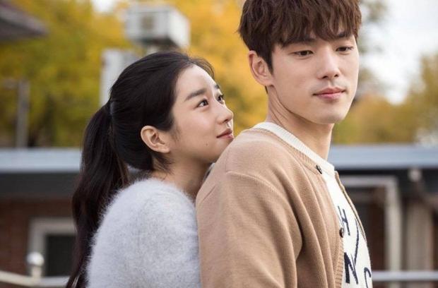 Từ cảnh giường chiếu đến hôn sâu đều diễn nhiệt tình, Seo Ye Ji lại bắt Kim Jung Hyun xa lánh bạn diễn nữ - Ảnh 1.