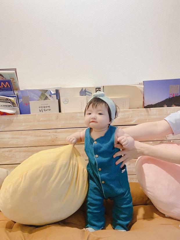 Đông Nhi khoe visual cực xịn bên con gái, hé lộ luôn chức vụ đặc biệt của bé khi mới 4 tháng tuổi - Ảnh 5.