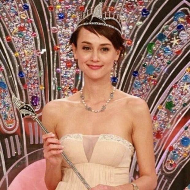 Bi kịch của Hoa hậu châu Á đẹp nhất: Mặt biến dạng, phải đi nhặt rác, nợ nần chồng chất - Ảnh 1.
