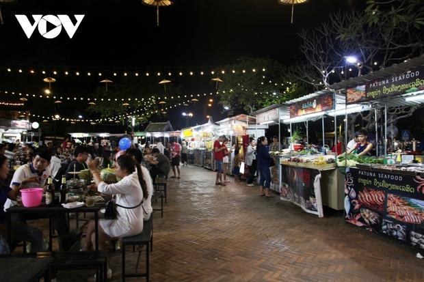 Lào đóng cửa tạm thời các tụ điểm vui chơi giải trí, nhà hàng ăn uống đến hết tháng 4 - Ảnh 2.