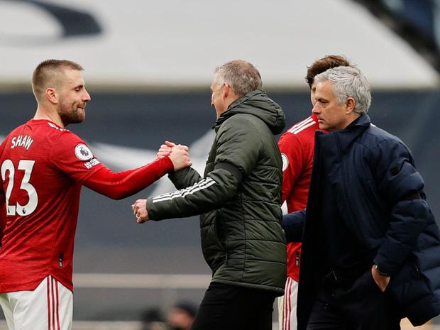 Lật mặt hay sự đổi vai giữa Solskjaer và Mourinho - Ảnh 3.