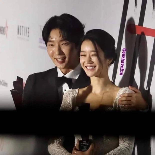 """Tình sử rối ren của """"điên nữ"""" Seo Ye Ji: Dính hint từ Yunho đến Lee Jun Ki, yêu anh họ Kim Soo Hyun rồi gây sốc vì mối tình kiểm soát chấn động - Ảnh 9."""