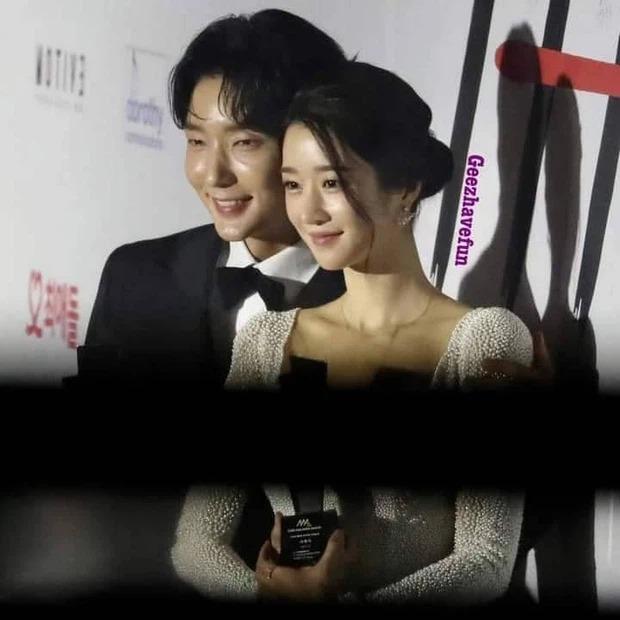 """Tình sử rối ren của """"điên nữ"""" Seo Ye Ji: Dính hint từ Yunho đến Lee Jun Ki, yêu anh họ Kim Soo Hyun rồi gây sốc vì mối tình kiểm soát chấn động - Ảnh 8."""