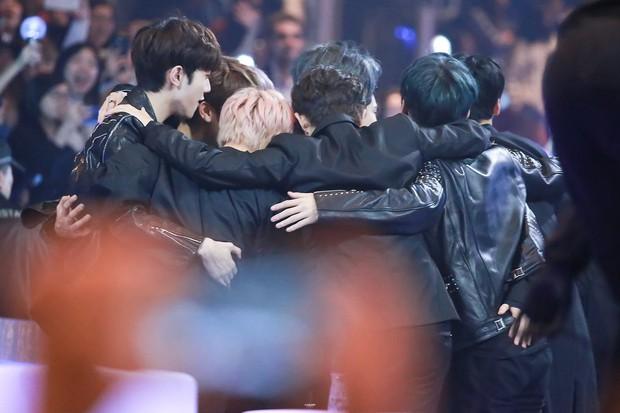 I.O.I cuối cùng cũng chốt ngày tái hợp; Kang Daniel gửi lời chúc mừng, hé lộ tương lai của Wanna One - Ảnh 5.