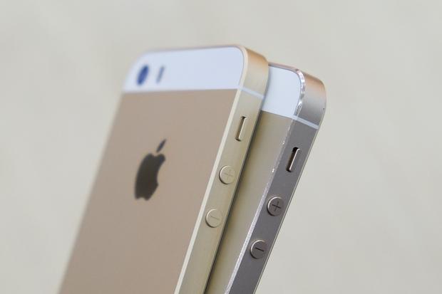 """iPhone 13 lộ thiết kế chi tiết, cụm camera sao mà """"xấu lạ""""? - Ảnh 2."""