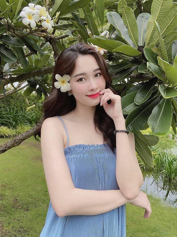 Ekip làm việc bóc nhan sắc của Hoa hậu Đặng Thu Thảo qua camera thường, chụp vội vài tấm mà vẫn xinh đến câm nín - Ảnh 5.