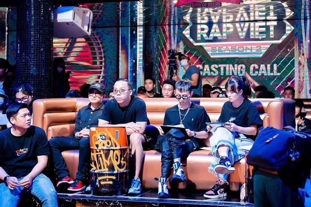Hé lộ sân khấu casting Rap Việt mùa 2, bộ đôi Touliver - Rhymastic tập trung cao độ - Ảnh 7.
