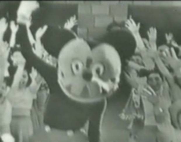 Sốc với Mickey phiên bản quá kinh dị 66 năm trước, MXH Hoa ngữ rúng động đến lên thẳng hot search - Ảnh 3.
