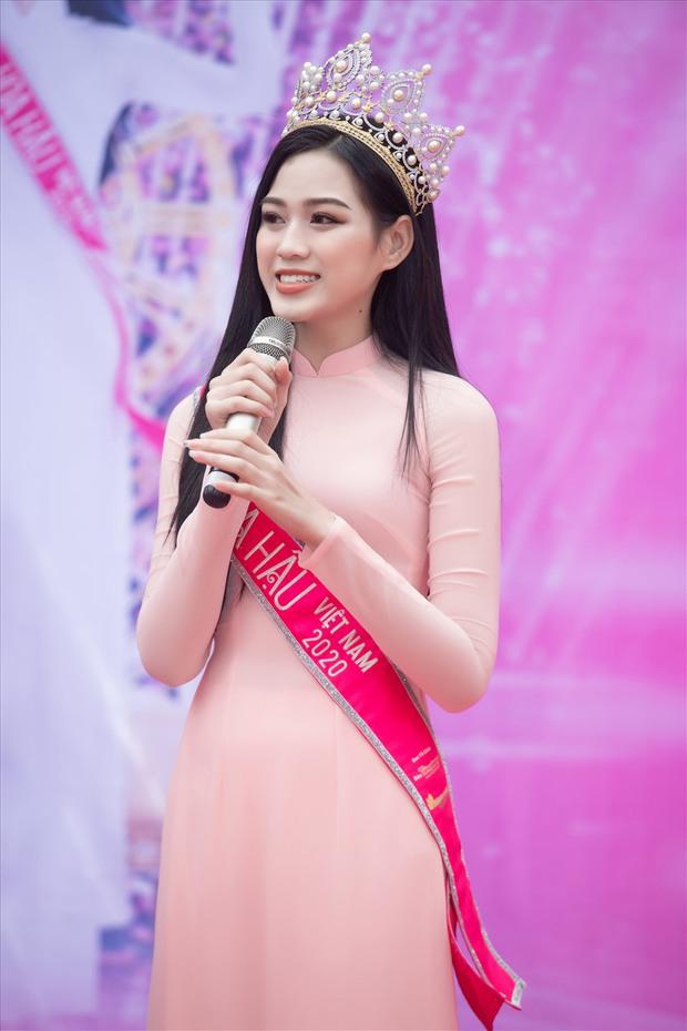Đỗ Thị Hà khoe nhan sắc trước khi đăng quang Hoa hậu, so với hiện tại khác biệt ra sao? - Ảnh 8.