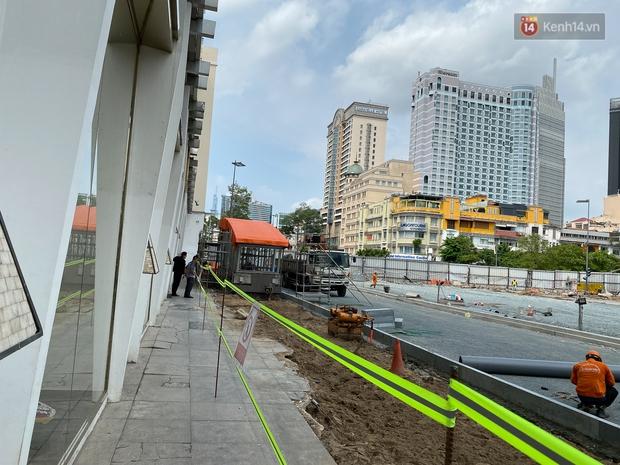 Một phần rào chắn Metro tại đất vàng trung tâm Sài Gòn được tháo dỡ, quán xá rục rịch khai trương trở lại - Ảnh 9.