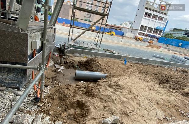 Một phần rào chắn Metro tại đất vàng trung tâm Sài Gòn được tháo dỡ, quán xá rục rịch khai trương trở lại - Ảnh 14.