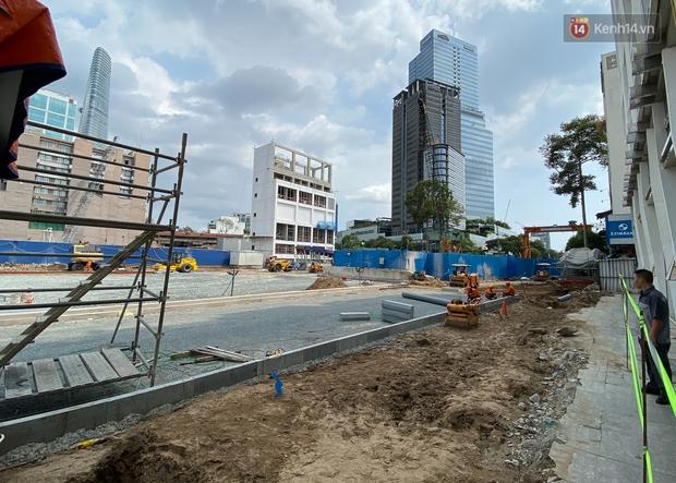 Một phần rào chắn Metro tại đất vàng trung tâm Sài Gòn được tháo dỡ, quán xá rục rịch khai trương trở lại - Ảnh 10.