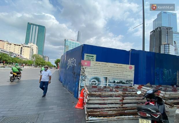 Một phần rào chắn Metro tại đất vàng trung tâm Sài Gòn được tháo dỡ, quán xá rục rịch khai trương trở lại - Ảnh 6.