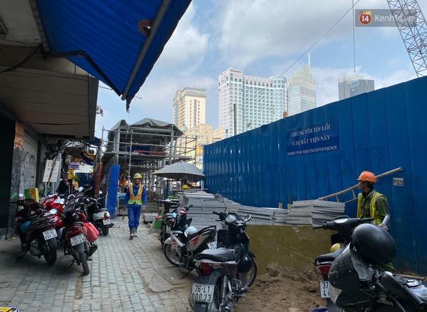 Một phần rào chắn Metro tại đất vàng trung tâm Sài Gòn được tháo dỡ, quán xá rục rịch khai trương trở lại - Ảnh 18.