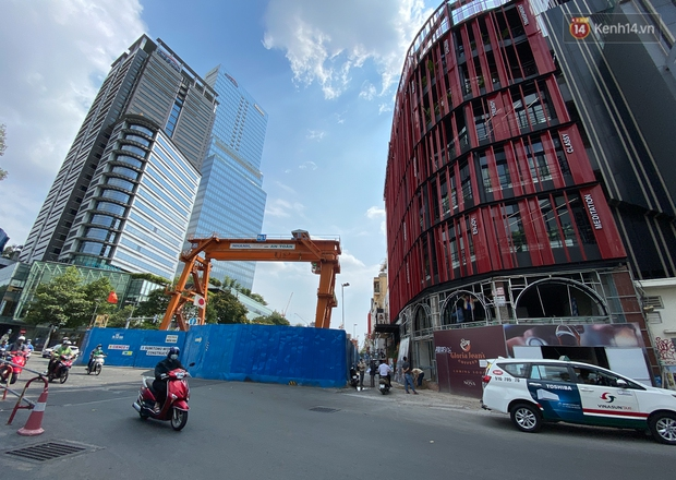 Một phần rào chắn Metro tại đất vàng trung tâm Sài Gòn được tháo dỡ, quán xá rục rịch khai trương trở lại - Ảnh 19.
