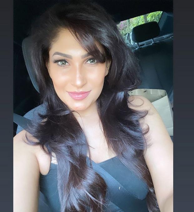 Người giật phăng vương miện của tân Hoa hậu Sri Lanka lần đầu lên tiếng về hành động kém duyên, tuyên bố từ bỏ danh hiệu - Ảnh 4.