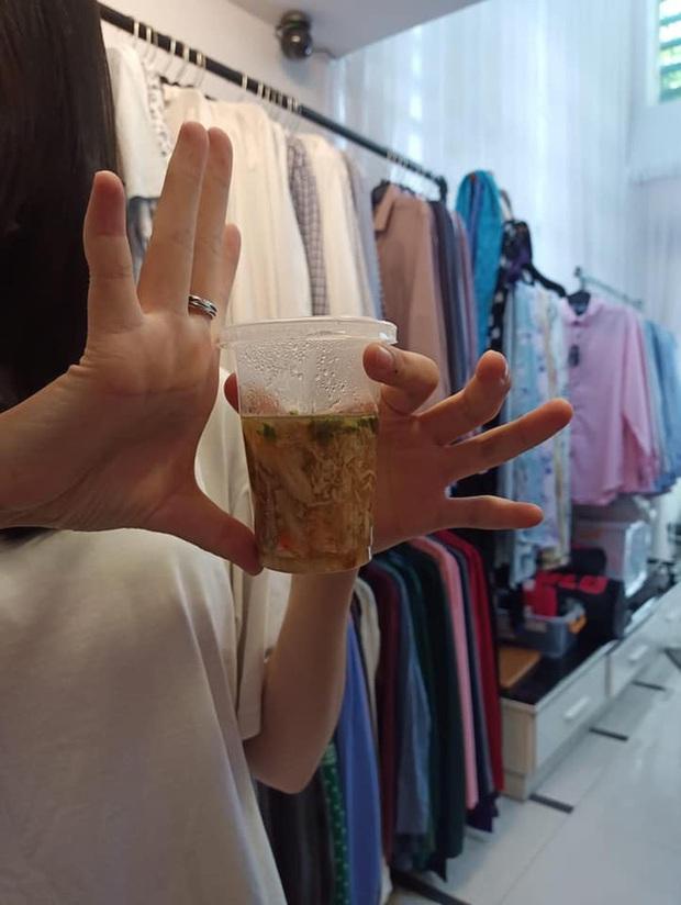 Dân mạng cay đắng review tiệm súp cua đắt nhất Sài Gòn: Bỏ ra 50k chỉ được vài muỗng súp, ly súp 25k gió thổi còn bay - Ảnh 1.