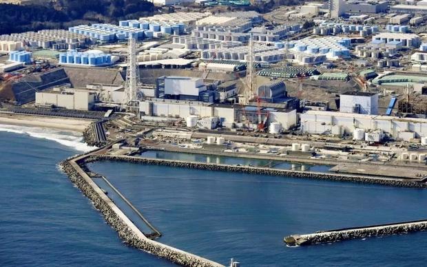 Nhật Bản quyết định xả nước nhiễm xạ ra biển trong 2 năm tới - Ảnh 1.