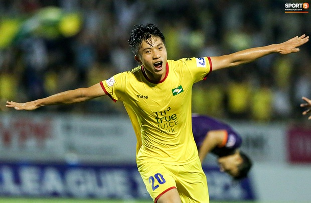 Người hùng thích gánh team Phan Văn Đức hết hợp đồng vào cuối năm 2021, SLNA vẫn lặng im - Ảnh 1.