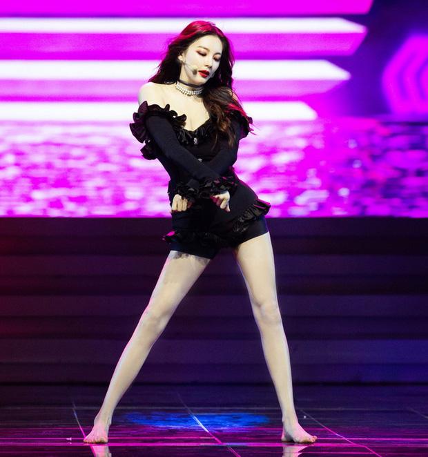 Mỹ nữ nóng bỏng nhất phim Châu Tinh Trì: Yêu nhanh cưới vội, cứ lấy chồng là gây rúng động - Ảnh 4.