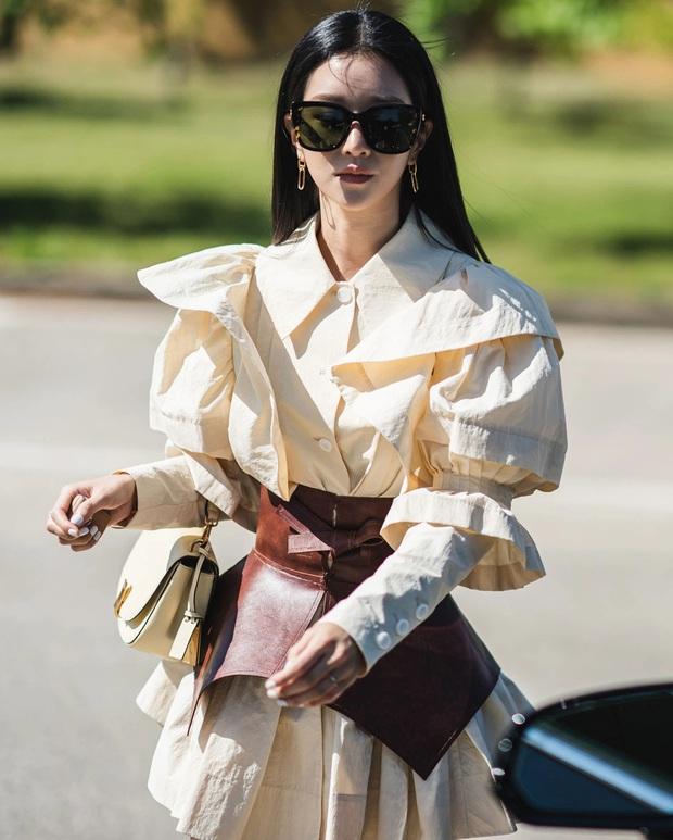 Seo Ye Ji từng khiến dân tình phát điên vì hàng loạt outfit cực đỉnh trong Điên Thì Có Sao - Ảnh 3.