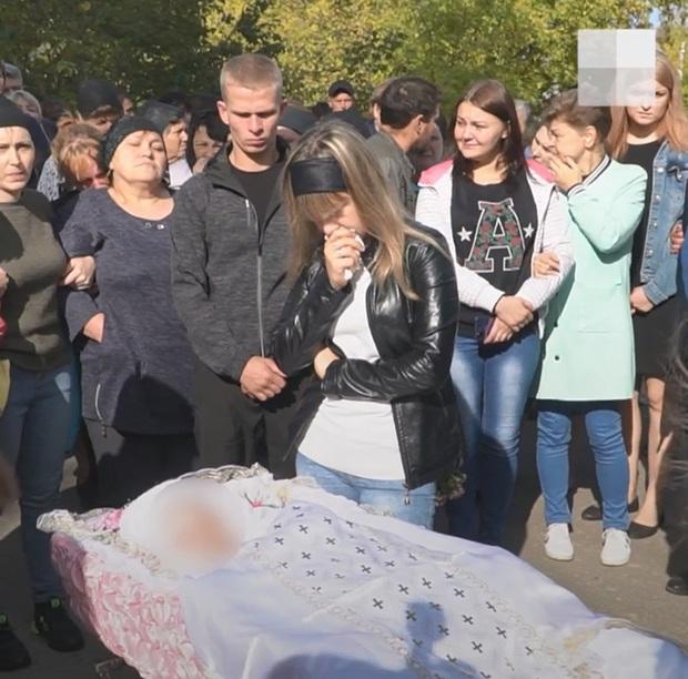 Bị từ chối tình cảm, gã cầm thú cưỡng hiếp rồi giết con gái 9 tuổi của bạn gái để trả thù, gia đình khóc ngất khi thấy thi thể nạn nhân - Ảnh 5.