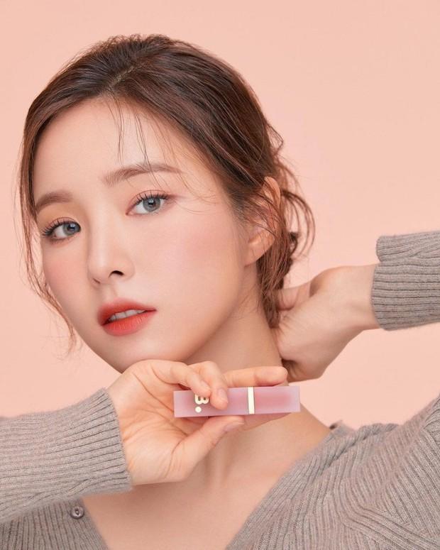 Knet yêu cầu Seo Ye Ji rút lui khỏi làng giải trí, gọi tên loạt sao nữ cùng sinh năm 1990 tài sắc gấp vạn lần - Ảnh 8.