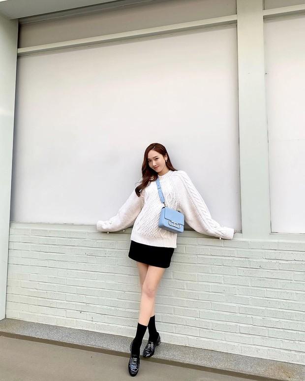 Muốn diện đồ màu mè thật xinh, sang xịn mà không sến sẩm thì cứ học Jessica là ra được khối tips - Ảnh 8.
