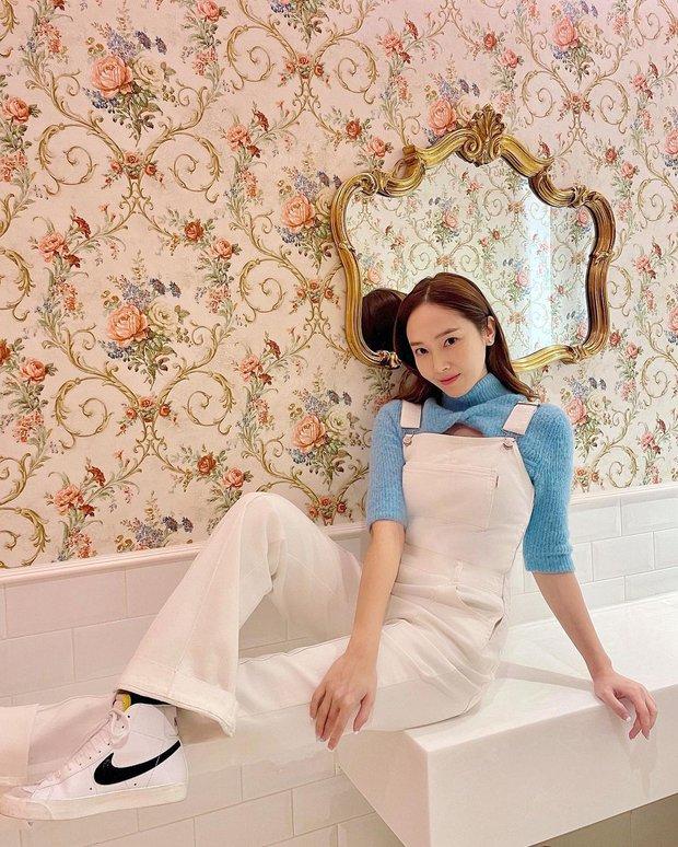 Muốn diện đồ màu mè thật xinh, sang xịn mà không sến sẩm thì cứ học Jessica là ra được khối tips - Ảnh 4.