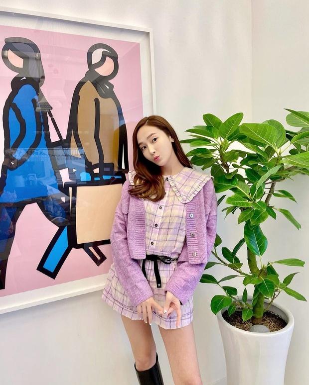Muốn diện đồ màu mè thật xinh, sang xịn mà không sến sẩm thì cứ học Jessica là ra được khối tips - Ảnh 1.