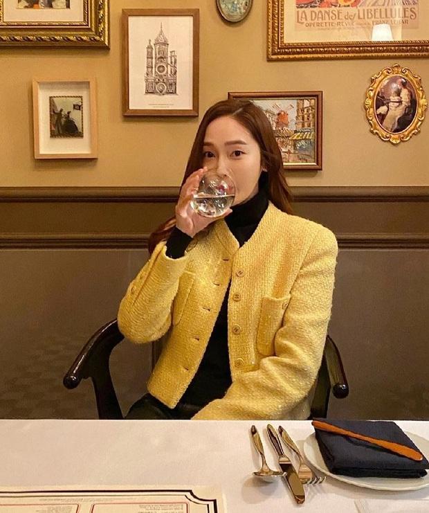 Muốn diện đồ màu mè thật xinh, sang xịn mà không sến sẩm thì cứ học Jessica là ra được khối tips - Ảnh 7.