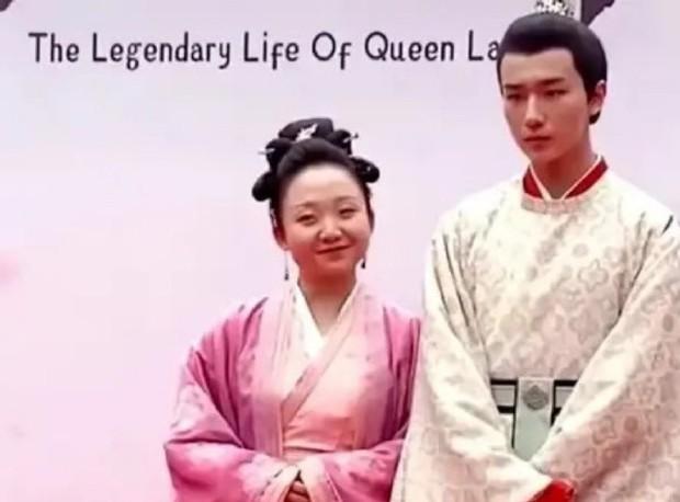 Xuất hiện Kim Jung Hyun bản Trung tại lễ khai máy phim mới, mặt lạnh tanh khiến nữ chính tắt cả nụ cười - Ảnh 5.