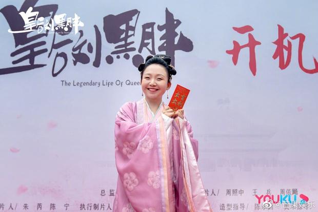 Xuất hiện Kim Jung Hyun bản Trung tại lễ khai máy phim mới, mặt lạnh tanh khiến nữ chính tắt cả nụ cười - Ảnh 10.