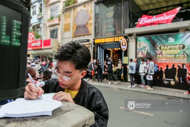 Casting Rap Việt ngày 2: Xuất hiện anh Hai Lúa diện áo bà ba khăn rằn, dàn nữ thời trang nổi bần bật! - Ảnh 10.