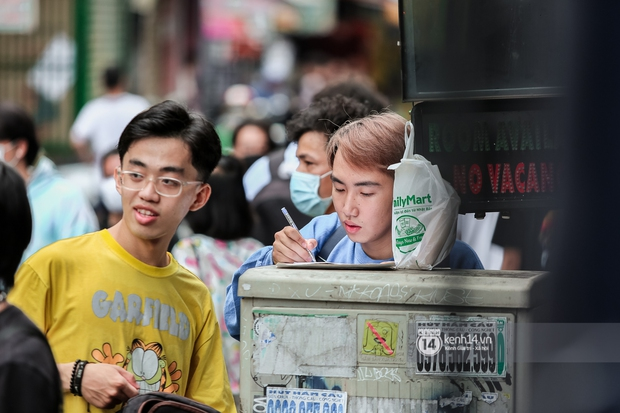 Casting Rap Việt ngày 2: Xuất hiện anh Hai Lúa diện áo bà ba khăn rằn, dàn nữ thời trang nổi bần bật! - Ảnh 11.