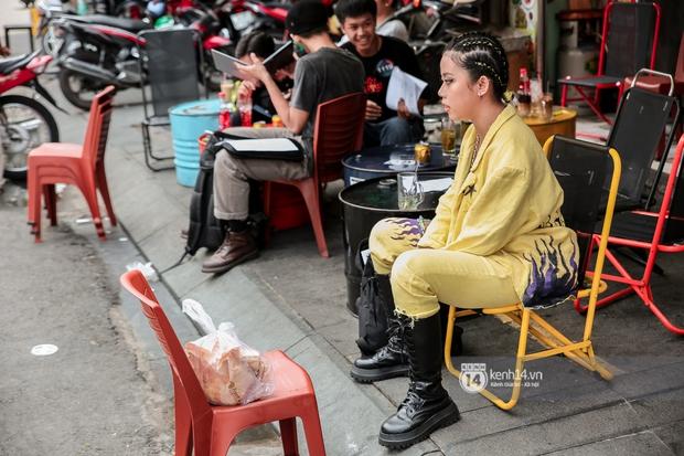 Casting Rap Việt ngày 2: Xuất hiện anh Hai Lúa diện áo bà ba khăn rằn, dàn nữ thời trang nổi bần bật! - Ảnh 18.