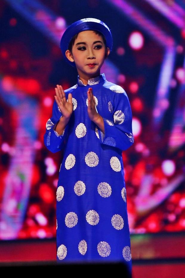 Thị Mầu Đức Vĩnh gây sốt trở lại với màn cover hit Hương Tràm sau 6 năm đăng quang Vietnams Got Talent - Ảnh 2.