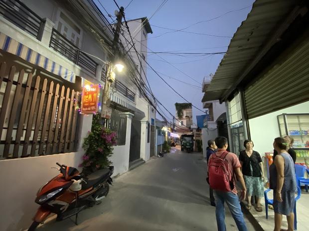 """Khổ như Sài Gòn cúp nước: Người dân phải """"nhịn"""" vệ sinh buổi tối, tích trữ nước trước 5 giờ chiều - Ảnh 2."""