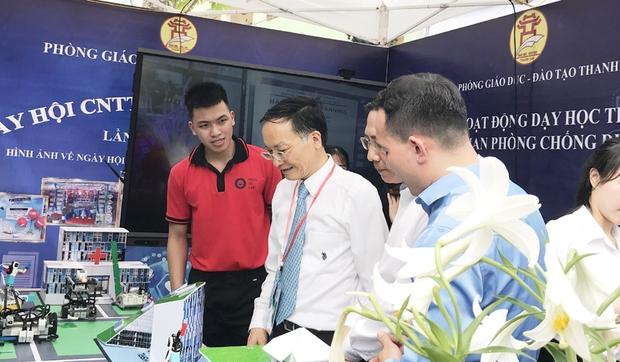 Tưng bừng ngày hội Công nghệ thông tin ngành GD-ĐT Hà Nội - Ảnh 4.