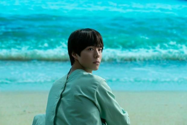 Người Nhân Bản: Nội dung Gong Yoo và Park Bo Gum cũng không đủ cứu bộ phim lê thê, hụt hẫng? - Ảnh 16.