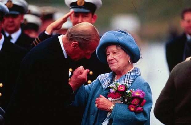 Hoàng thân Philip để lại những quy tắc sống sao cho xứng là một thành viên của Hoàng gia Anh: Người ra đi nhưng di sản còn mãi - Ảnh 2.