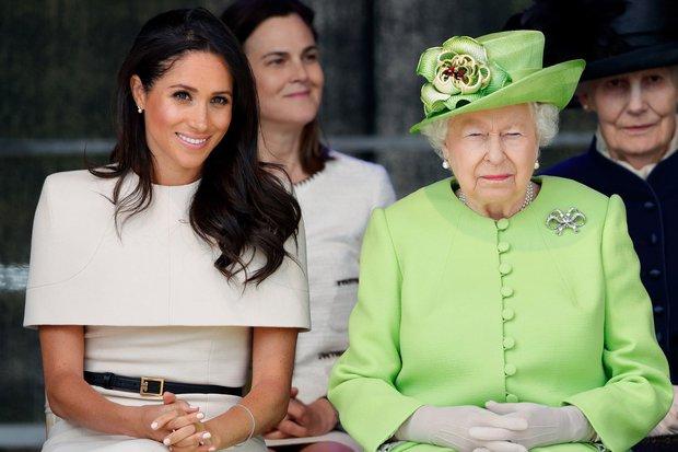 Thái độ của Nữ hoàng Anh khi cháu dâu Meghan không về nước chịu tang Hoàng thân Philip, cũng không để con trai đi cùng Harry - Ảnh 2.