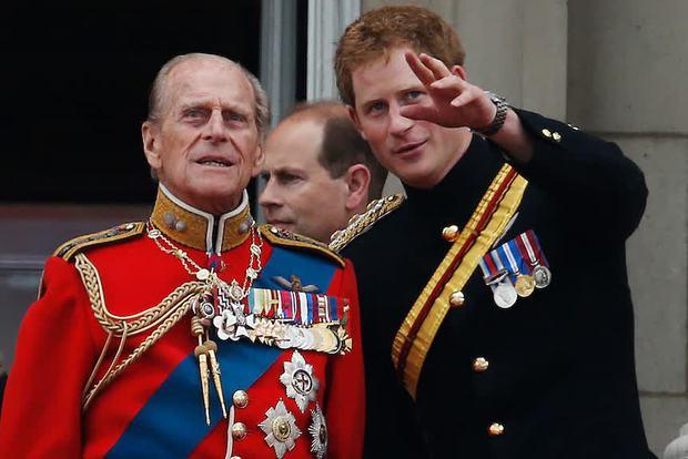 Vì bảo vệ Harry, Nữ hoàng phá bỏ luật lệ truyền thống, đưa ra quyết định chưa từng có tiền lệ trong tang lễ Hoàng thân Philip sắp tới? - Ảnh 1.